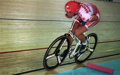 GRAEM OBREE durante il suo record dell'ora  del 1994  52,713Kmh