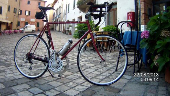 bici in piazza a san leo