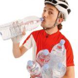 Idratazione in bicicletta: cosa bere e come