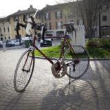 Il gusto di pedalare una bici divenuta unica